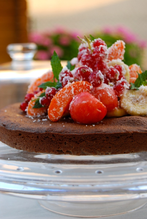 Chocolate cake with fresh fruits