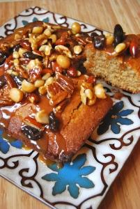Gâteau aux épices, caramel aux noix - Spicy cake, nutty caramel