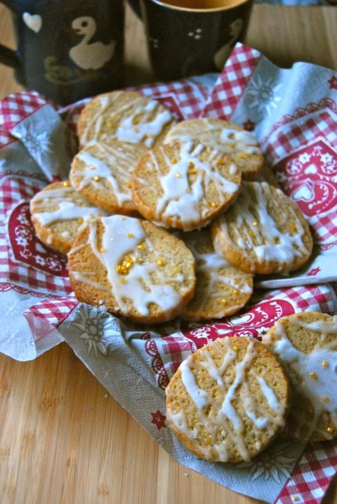 Christmas spicy Cookies lemon icing - Biscuits de noel épices et glaçage citron