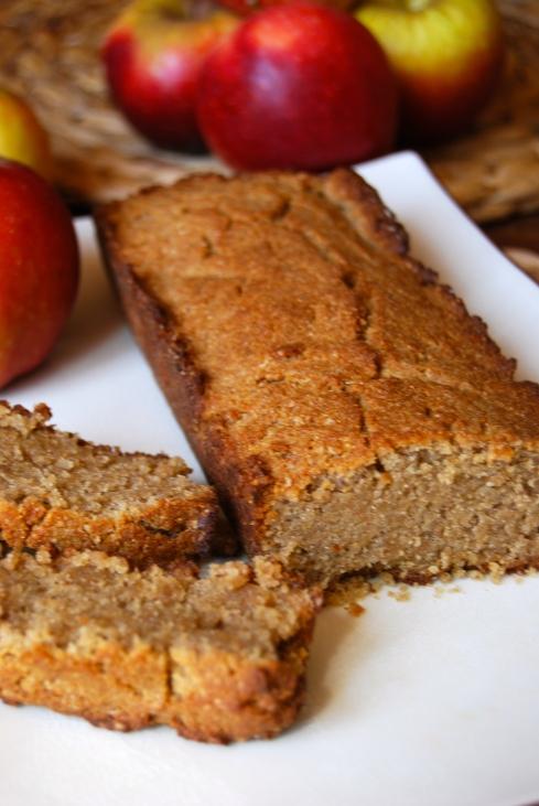 Vegan cake with apple sauce - cake végétalien à la compote de pomme