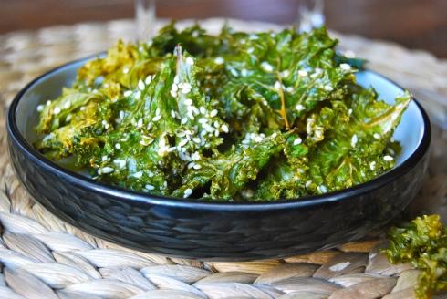 Salt and sesame kale chips - Chips de chou kale aux sel et au sesame