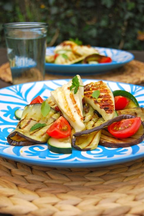 Grilled veggies and grilled cheese salad - Greece - Summer - Salade légumes grillés et fromage grillé. Grèce - été