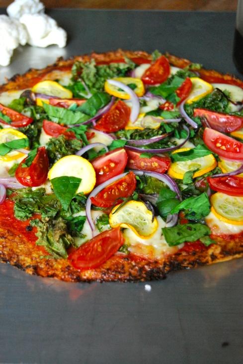 cauliflower crust pizza - pizza pâte au chou fleur