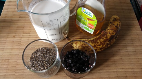 Pudding de chia banane myrtille - Banana blueberry chia pudding